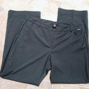 New York & Company Grey Pinstripe Pant Size 16